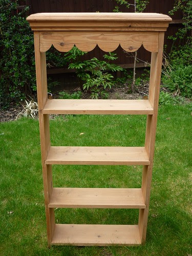 Scallop shelves before ...