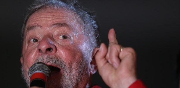 O ex-presidente Lula durante comício no Recife, em setembro