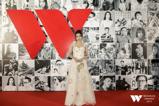 Còn chờ mong gì nữa, đây chính là những bộ cánh đẹp mắt nhất thảm đỏ WeChoice Awards 2017! - Ảnh 21.