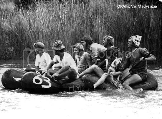 Vic 2, Racing