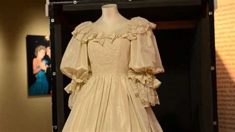Princess Diana's Wedding Dress At The Frazier Museum   YouTube