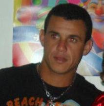 Léo de Guimarães, assassinado na  manhã de sábado, 23 (foto fecebook)