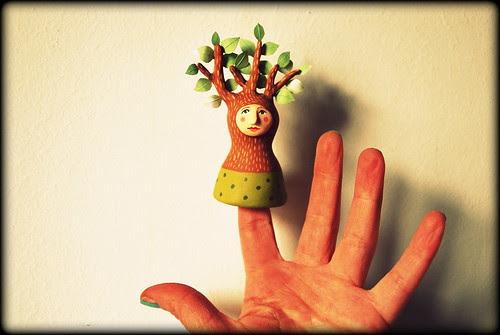 Finger puppet -Tree