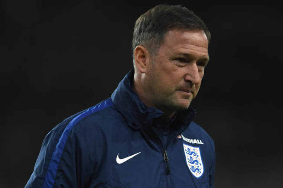 Chelsea News: Antonio Conte to let Steve Holland leave for England