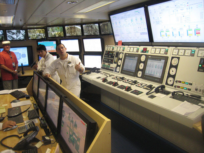allure of the seas engine room (4)
