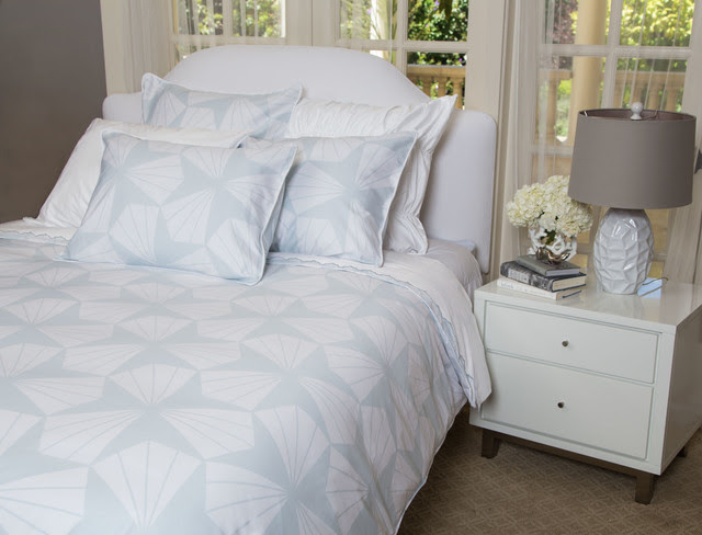 White And Pale Ble Comforter | Home Decorating Colors For 2014
