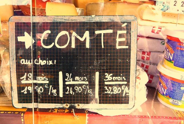 Comté sign