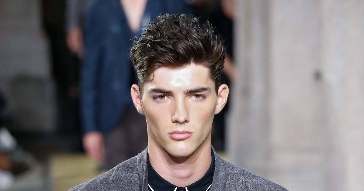 Gaya Rambut Pendek Ikal Untuk Wajah Bulat - Umpama o