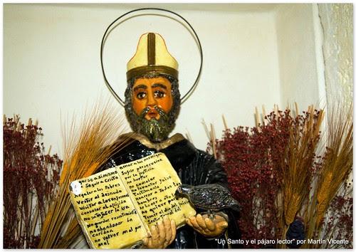 Un santo con pájaro lector
