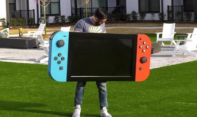 Полюбуйтесь на самый большой в мире (работающий!) геймпад Nintendo Switch