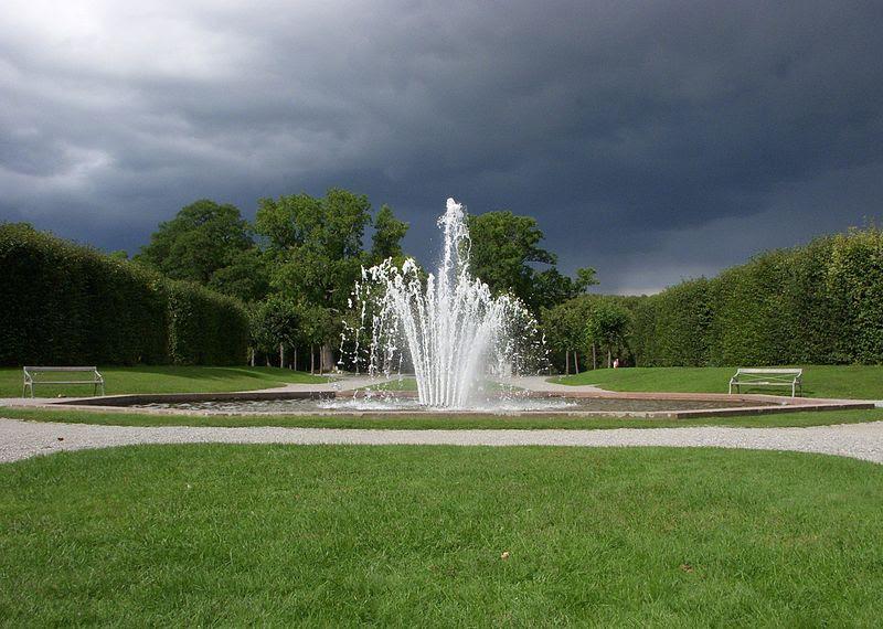 Drottningholm kronan 2011a.jpg