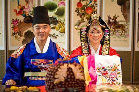 WEDDING COLLECTIONS: Korean Wedding Dresses