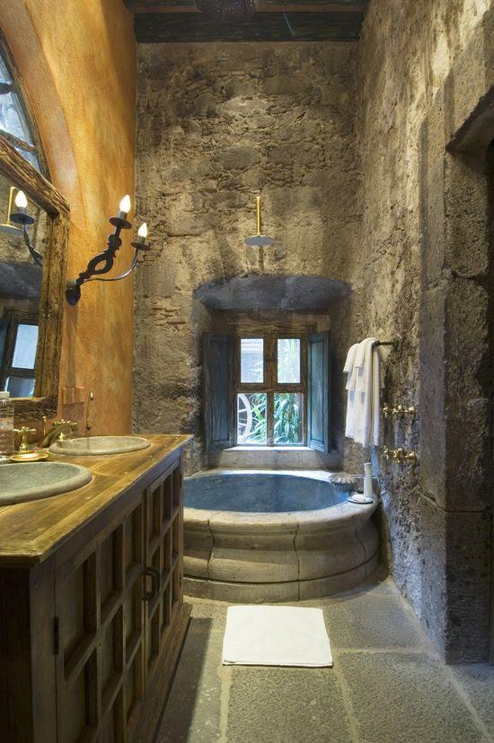 Bathroom, La Casa Dragones in San Miguel de Allende, Mexico