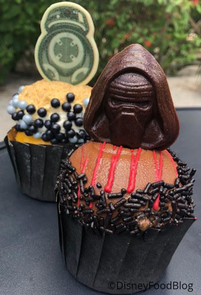 Backlot Express Star Wars Cupcakes