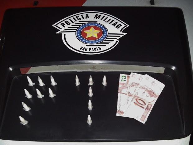 Homem é preso por tráfico de drogas em São José dos Campos (Foto: Divulgação/ Polícia Militar)