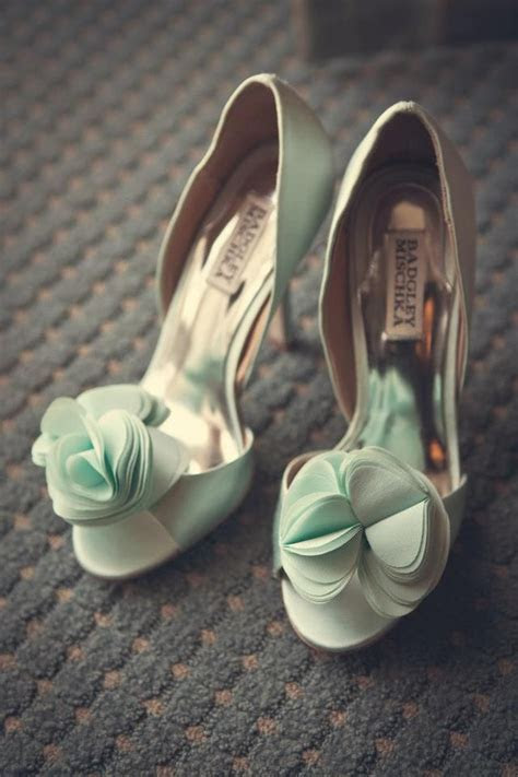 17 Best images about ? Mint Weddings   Jevel Wedding