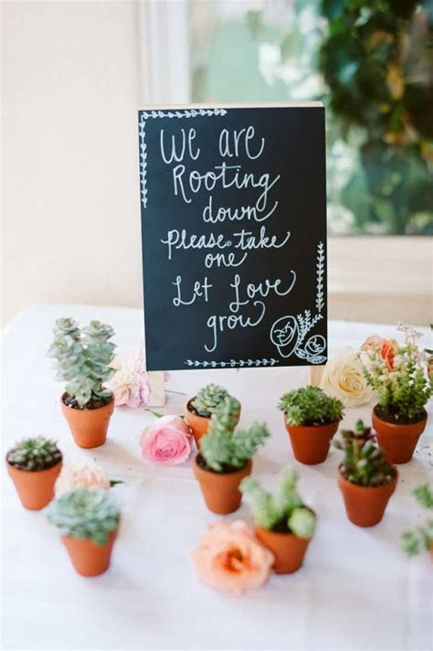 Best 25  Guest gifts ideas on Pinterest   Guest wedding