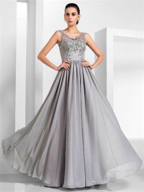 Best Dress Designs for Pear Shaped   Dress Designs