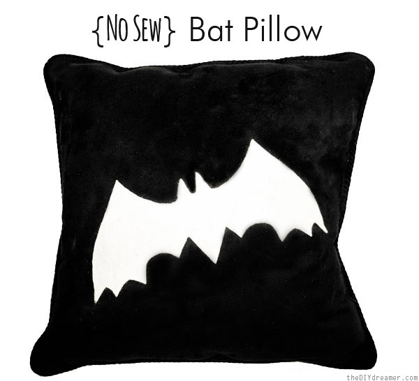 {No Sew} Bat Pillow - EASY Tutorial