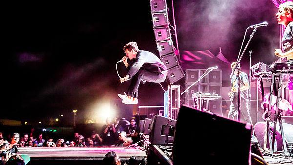 Jona Bechtolt jumping, YACHT, TBD Fest, 2014