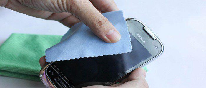 طريقه سهله جدا لتنظيف الموبايل