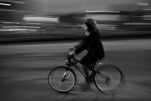 Motion blur B/N by Alejandro Bonilla