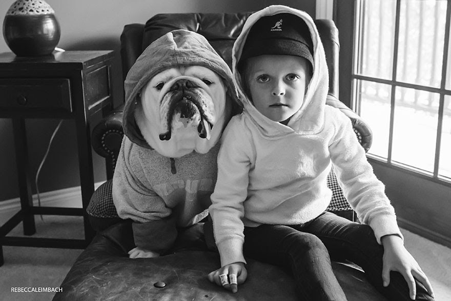 girl-english-bulldog-friendship-photography-lola-harper-rebecca-leimbach-4