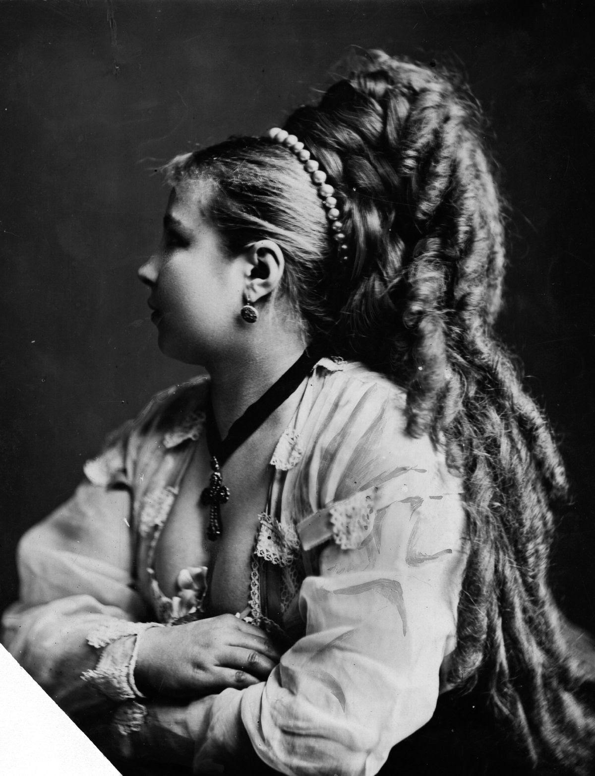 As mulheres vitorianas que nunca cortavam o cabelo 03