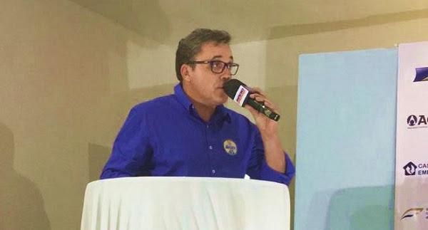 """""""Caicó está se levantando para dizer que é possível um governo diferente"""", diz Batata durante debate"""
