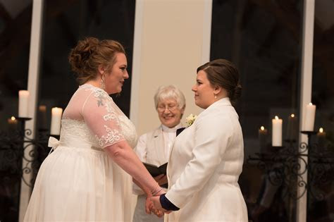 Wedding Wisdom Wednesday :: Focusing On The Wedding