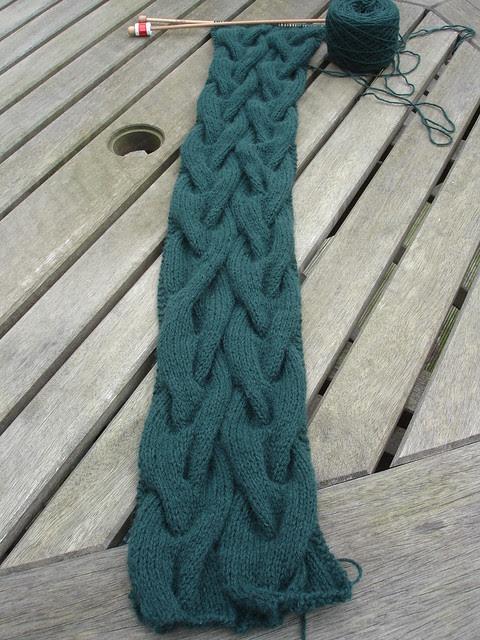 Monkey Bread scarf WIP (2)