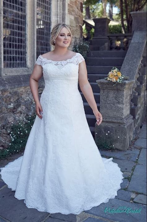 Larger size wedding dresses Bridget   Bridal gowns   Leah