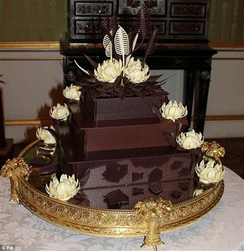 Royal Wedding cake: Kate Middleton requested 8 tiers