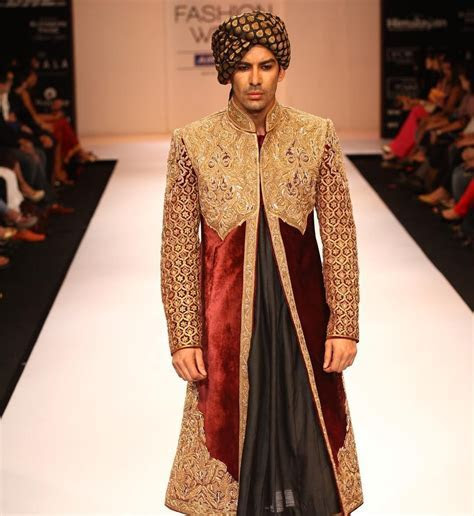 @shyamalbhumika #sherwani #menswear #regal #royaldress #