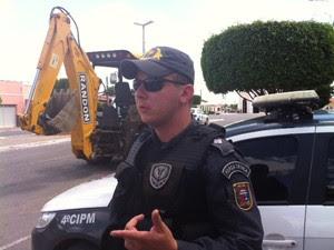 Oficial afirma que PM revidou ataque de populares em São Pedro, RN (Foto: Igor Jácome)