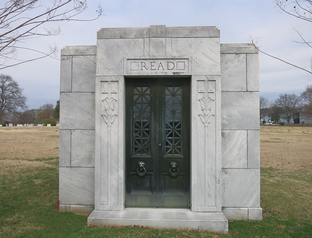 IMG_1373-2014-03-01-Westview-Cemetery-Read-Mausoleum-has-Stained-Glass-Atlanta