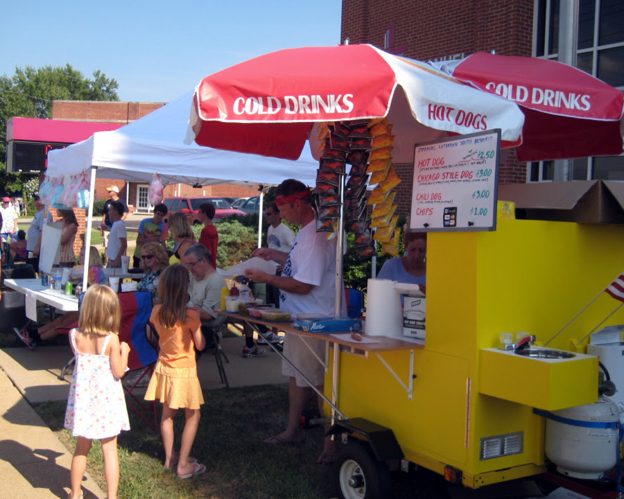 can you make good money with a hot dog stand