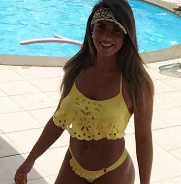 Nicole Bahls foi desfilar sua morenice em Fortaleza, no Ceará
