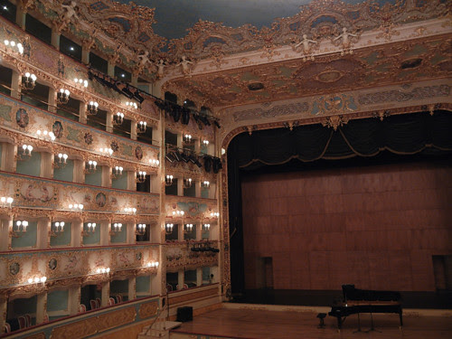 DSCN1430 _ La Fenice, Venezia, 13 October