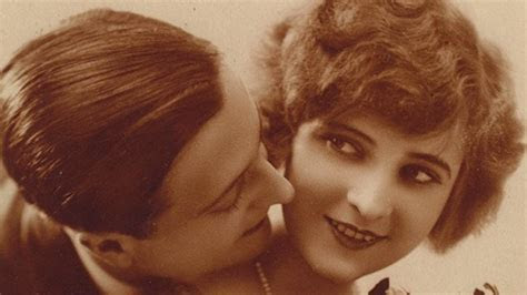 F. Scott Fitzgerald Marries ?The First American Flapper