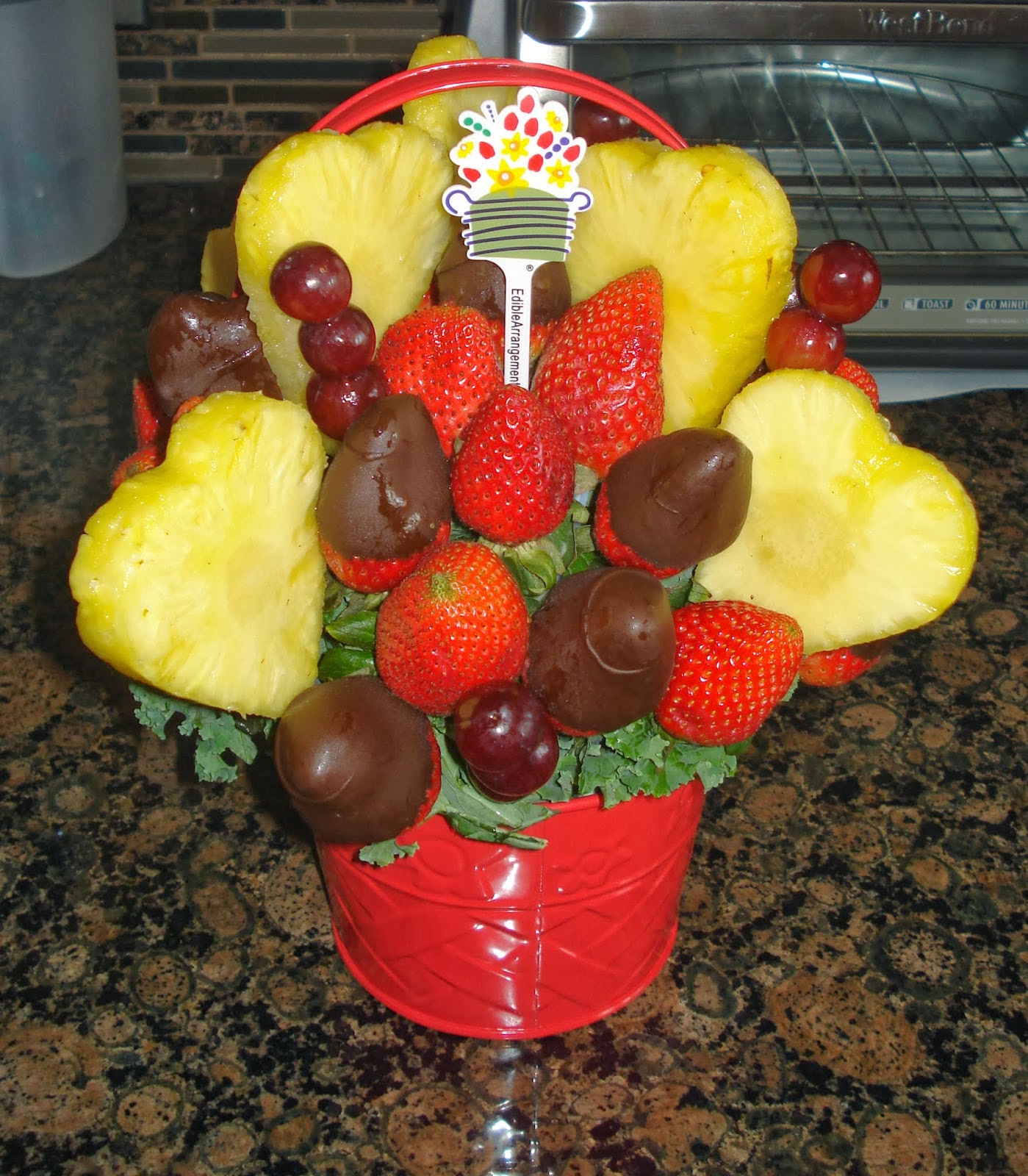 Enter to win a Valentine's Day Bouquet from Edible Arrangements. Ends 2/17.