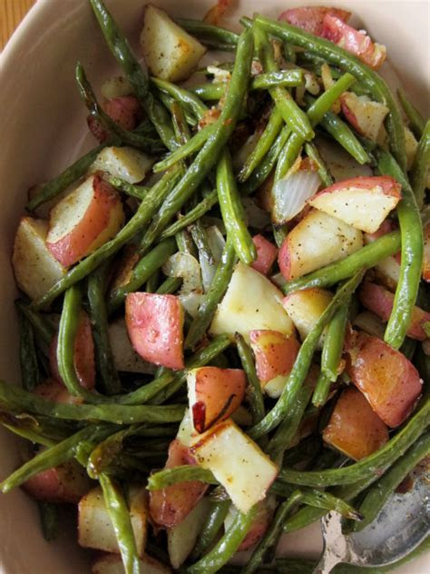 Oven Roasted Potatoes and Green Beans   OliePants