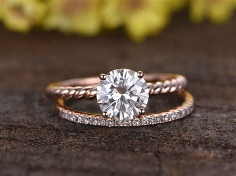 1.25 Carat Round Moissanite Solitaire Engagement Ring Set