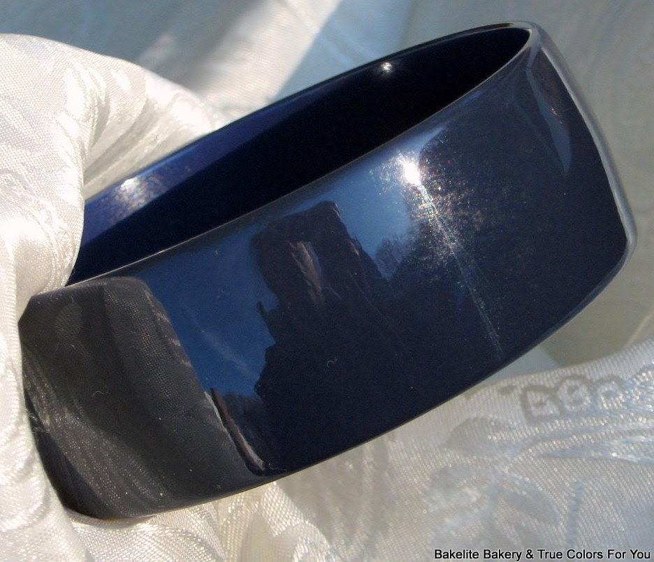 BLueberry CobbLer Wide Bakelite Rare Vintage Deep Blue Bangle Bracelet Genuine