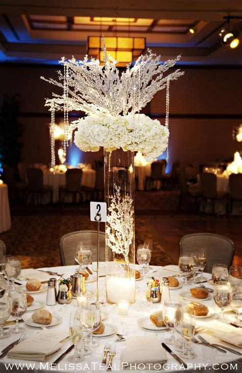 Winter wedding table decor, wedding reception, www