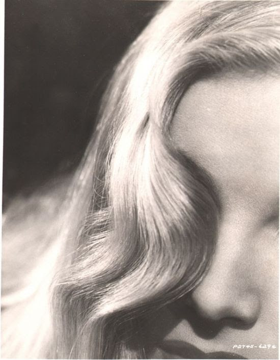 Veronica Lake. Hair says it all.