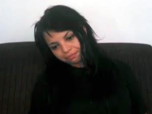 Vastiane gravou um vídeo pedindo desculpas à Aline (Foto: Reprodução/G1)