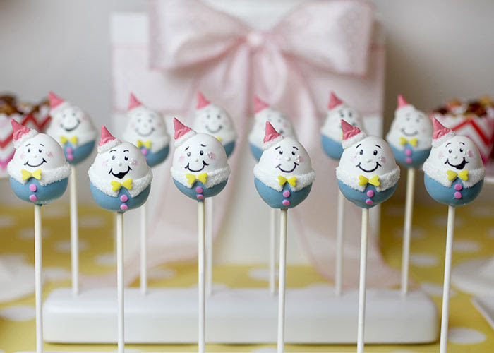 Humpty Dumpty cake pops by Bakerella