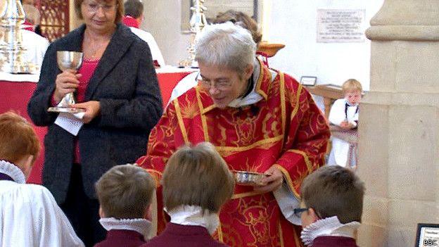 Mujer obispo