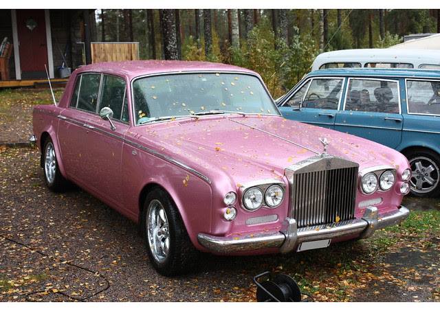 Rolls Royce in pink